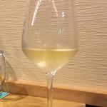 肉酒場ビストロ男前 - 2杯目は、白ワインを…