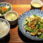 中国菜エスサワダ - 日替わりは豚肉とザーサイの炒め物