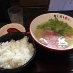 67091843 - 鶏白湯塩らーめん(780円)+ライス大(150円)