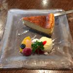 つろぎ - +400円で(ランチのお客様のみ)特製ベイク・ド・チーズケーキ