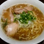 67101469 - 醤油豚骨鰹煮干し中華そば太麺 730円