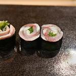 日本橋蛎殻町 すぎた - 料理写真:しめさばの巻物