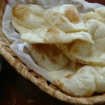アジア料理・インドカレー ハヌマン - おかわりナンもしっかりと