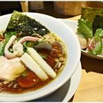 むぎとオリーブ - 特製鶏・煮干・蛤のトリプルSOBA 1180円 ホントに旨味に溢れてます。トリプってるのは伊達じゃないです。