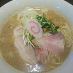 茨木きんせい - 料理写真:鶏白湯800円