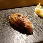SUSHI TOKYO TEN、 - [料理] 山口 鰺 握り