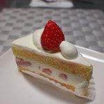 パティスリー ナオキ - 料理写真:苺ショートケーキ