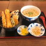 美味しいうどん屋 - Cセット(かけうどん、天丼、小鉢)