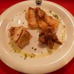 東京ミート酒場 - くらべ焼き三種盛り(イベリコ豚、羊、鶏肉)