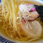 八里九里家 - 塩ラーメンの麺