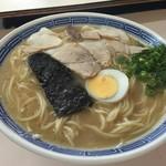 沖食堂 - ラーメン(500円)