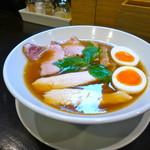 麺屋 久仁衛 - 特製醤油らーめん(980円)