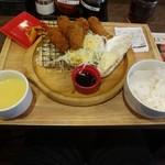 炭リッチ - カキフライ定食