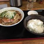 実咲庵 - 油かすラーメンAライスセット(750円)