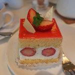 フラウラ - 苺のショートケーキ