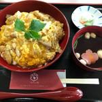 道の駅 ろくのへ メイプルふれあいセンター - 料理写真:プレミアム親子丼¥1000