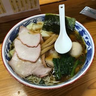 とら食堂 - 料理写真:焼豚ワンタン麺+半熟煮玉子