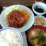 味処いちむら - 料理写真:メンチカツ定食:850円
