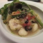 レストラン 間 - 「筍をまとった真鯛蒸し、魚介のア・ラ・ナージュ」