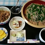 家庭の味 鹿沼そば 一心愛 - 日替りランチ (ぶた丼、ニラそば、小鉢、お新香、デザート)