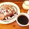 T's cafe-note - 料理写真:お得なパンケーキセット登場です。その日で変わるパンケーキとプリンにお好きなドリンクがセットで1000yen(ドリンクはフレーバーラテは+100yen