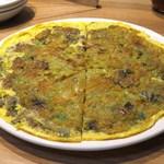 金満楼 - 海蠣煎餅(牡蠣のお好み焼き)