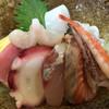 右京 - 料理写真:海鮮丼
