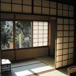石葉 - すっきりとした部屋