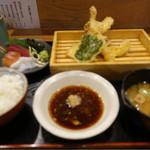 丸の内天ぷらめし 下の一色 - 尾張前天ぷらめしと刺身三種盛り贅沢定食☆