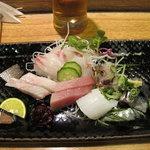 栄寿司 - 刺身(鳴門の天然鯛、石鯛、鯵、烏賊、よこ)