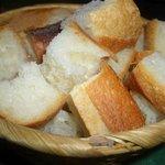 6797560 - チーズフォンデュの付け合せのパン
