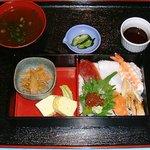 うどんおにがしま - 海鮮ランチ(味噌汁付)