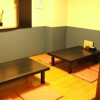 ごゆっくり落ち着いてお食事が可能なお座敷をご用意しております。