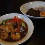 カフェ メゾン - 小エビのスープカレーとポークカレー