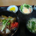 鼓亭 - 淡路島牛丼の焼肉丼(1350円)