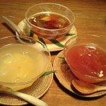 李青 - 「柚子茶」「五味子茶」「水晶果」