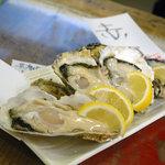 地下の粋 - 料理写真:雲仙と赤穂の牡蠣
