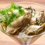 ガンボ&オイスターバー - 広島産牡蠣のオリーブオイルマリネタプナードソース