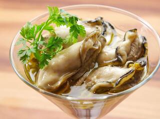 ザ オイスタールーム - 広島産牡蠣のオリーブオイルマリネタプナードソース