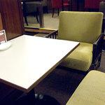ルノアール - 4席限定、のんびりソファ席。