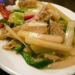 台南担仔麺 - セロリとハチノスの炒め