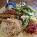 ロギ - マグロと野菜のフライ チリソース