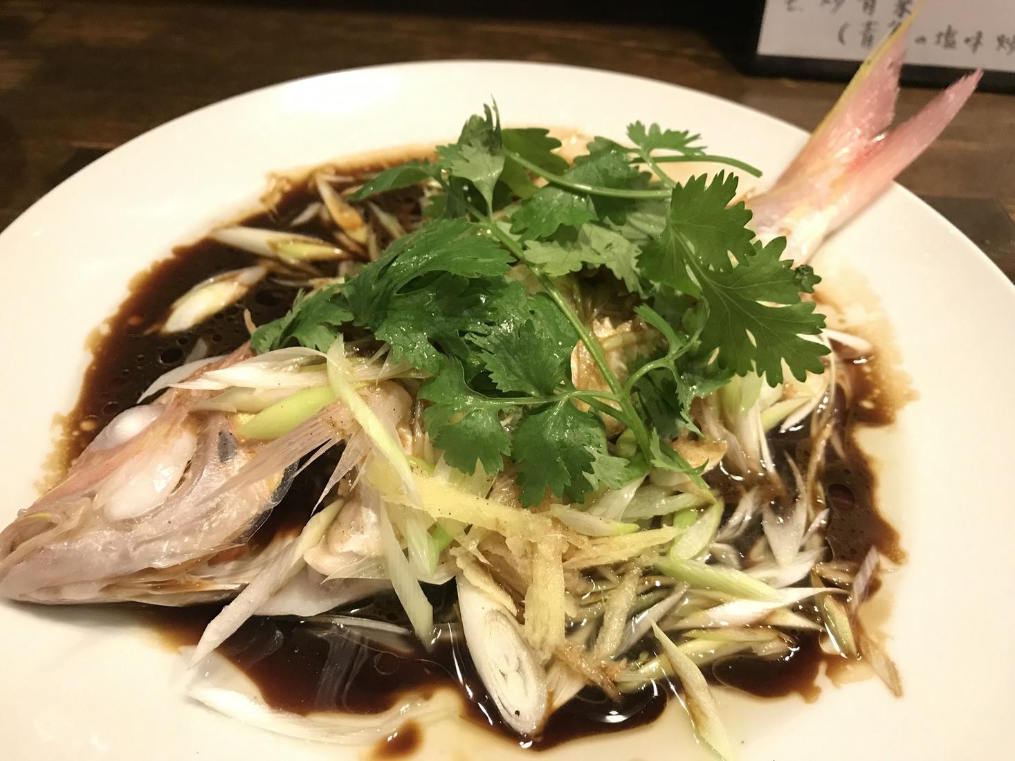 清蒸海上鮮(鮮魚の姿蒸し 広東風)