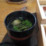味菜香 やま脇 - 貝割れ菜と焼麩の吸い物