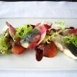 ニューヨーク・グリル - 関アジのマリネ グレープフルーツとビーツのサラダ ピーカンナッツヴィネグレット