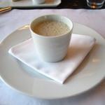 ニューヨーク・グリル - レンズ豆と栗のスープ フォアグラのロワイアル