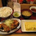 天六食堂 - 鶏唐揚げと玉子焼定食 630円