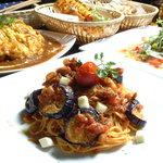 Hot Spot - 多国籍料理や創作料理を多数ご用意しております。