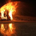 檪の丘 - 500度の石窯でいっきに焼き上げます