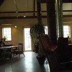 野山の食堂 - 建物内